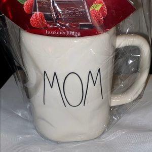 Rae Dunn Mug gift set